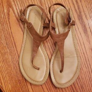 T-strap neutral sandal